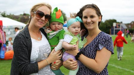 Shefford Play Day: Zara with baby Ethan and Leah with baby Olivia. Picture: Karyn Haddon