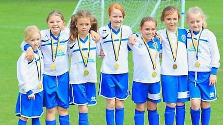 More medals for Hitchin Belles FC