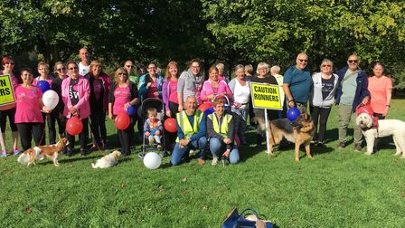 Slimming World members with Stevenage parkrun volunteers after completing their walk on Saturday. Pi