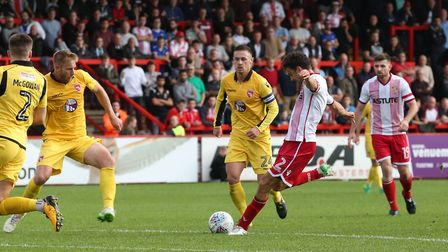 Jonathan Smith lines up a shot. Picture: Danny Loo