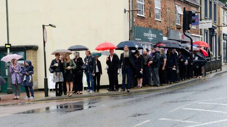 Well-wishers gathered at The Red Lion in Biggleswade to give Willy Clifford the send-off he deserved
