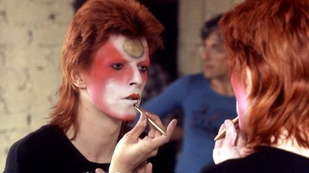 Bowie Makes Up, by Roger Bamber.