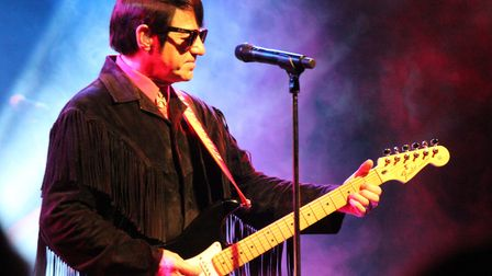 Barry Steele will perform at the Gordon Craig Theatre on April 7 in The Roy Orbison Story
