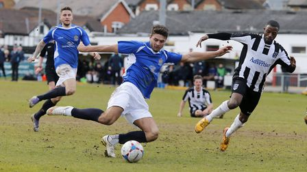 Michael Thalassitis prepares to fire the Saints into the lead. Picture: LEIGH PAGE