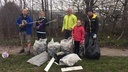 North Herts Road Runners support The Great British Clean up with litter picking on Letchworth Greenw