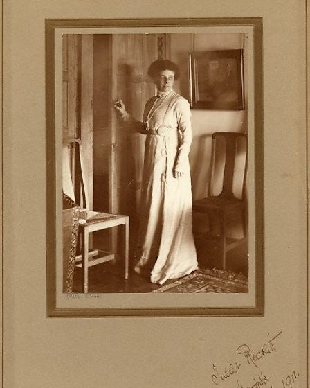 Photograph of a woman taken by R.J. Salter. Picture: Letchworth Garden City Heritage Foundation