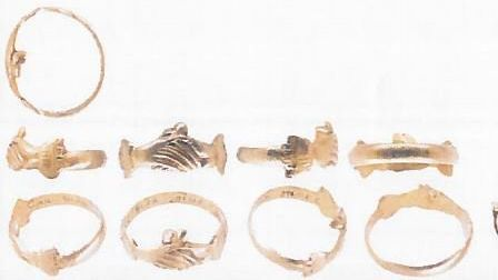 Post-medieval 17th century gold finger ring found in Essex