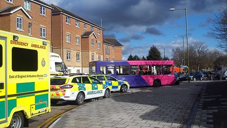 A bus and a mini collided on Wellfield Road, Hatfield this afternoon (Thursday)