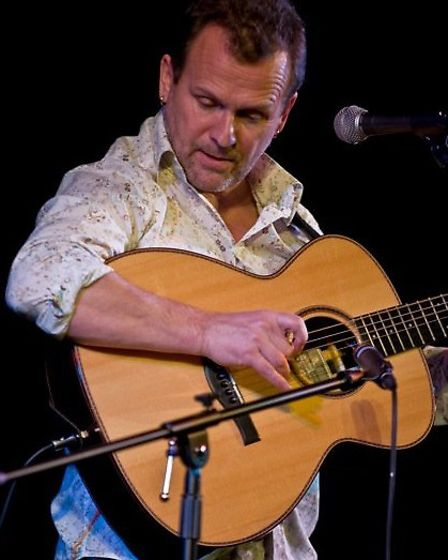 Martin Simpson will play Folk by the Oak 2014 in the grounds of Hatfield House as part of the Elizab
