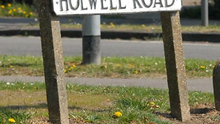 Holwell Road