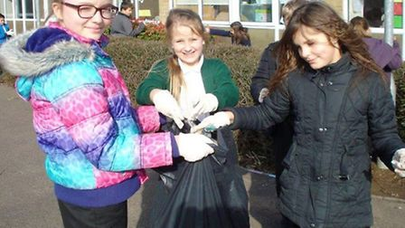 Orchards primary clean for the Queen. Year 5 litter pick.