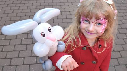 Easter Fun Day at the Horsefair Shopping Centre, Wisbech. Esmerelda Tickle with her balloon model. P