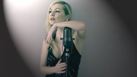 Kimpton Folk Festival is staging a French cabaret evening with acclaimed retro singer Aurora Chanson