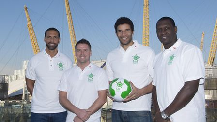 Welwyn Garden City goalkeeper David James (second from right) with England players Rio Ferdinand ( l