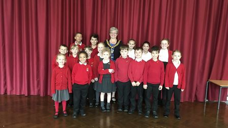 Welwyn Hatfield mayor Lynne Sparks officially opens Holwell Primary School's new library. Picture: