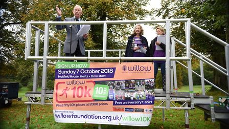 Bob Wilson addressing the crowd at the Willow 10K at Hatfield House [Picture: Christopher Dean / Sca