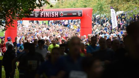 Crowds at the start of the Willow 10K Run [
