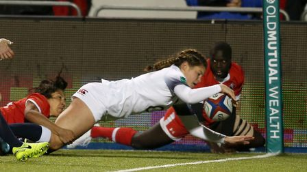 England Women's Jess Breach scores their first try. Picture: PAUL HARDING/PA