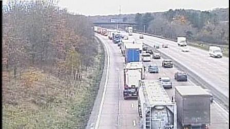 Heavy traffic on the anticlockwise carriageway between Potters Bar and South Mimms. Picture credit: