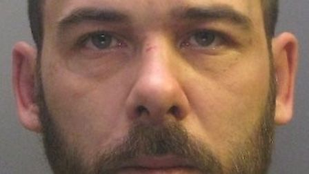 'Violent' Wisbech thug Gavin Bainbridge jailed for assaulting and threatening to stab mother of his