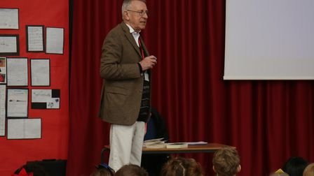 Author Martin Harman speaks to pupils of Holwell Primary School to celebrate World Book Day 2018. Pi