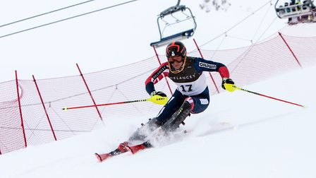 Potters Bar's Robert Poth took his second silver medal at the British Alpine Skiing Championship.