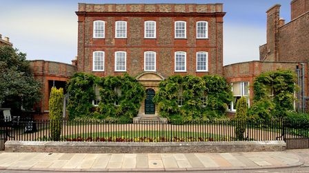 A £10,000 grant has been awarded to Peckover House to restore a lost library and see items from an h