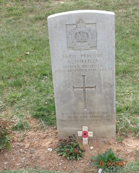 The grave ofr Private Arthur Bertram Duffield who died in the First World War