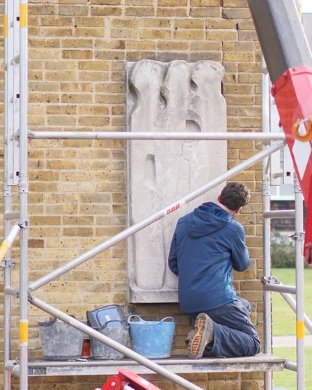 Barbara Hepworth's 'Vertical Forms' being painstakingly removed from the University of Hertfordshire