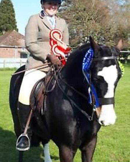 Reserve supreme Nicole Woodford with Ananlagha Lad.