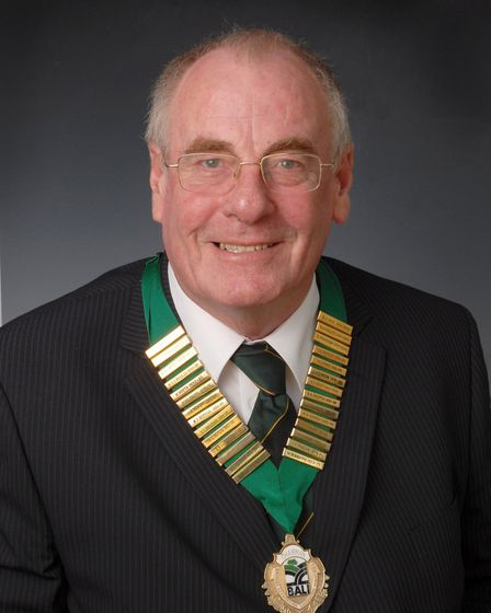 He was appointed Chairman of the British Association of Landscape Industries from 2006 – 2008. Pictu