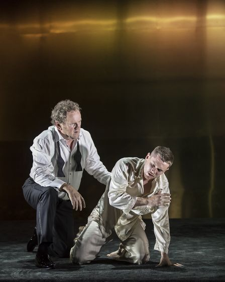 NT Live production of Tennessee Williams' Cat on a Hot Tin Roof, starring Colm Meaney and Jack O'Con