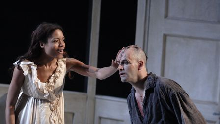 Elizabeth Lavenza (Naomie Harris) and The Creature (Jonny Lee Miller) in National Theatre Live's Fr