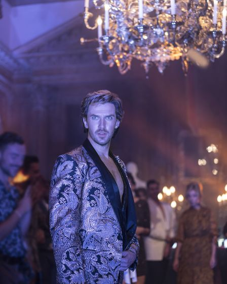 Dan Stevens as Alexander Lemtov hosts a party in Eurovision Song Contest: The Story of Fire Saga. Th