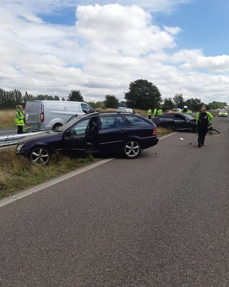 A number of cars have been involved in a crash on the A1(M) between Junction 6 for Welwyn and Juncti