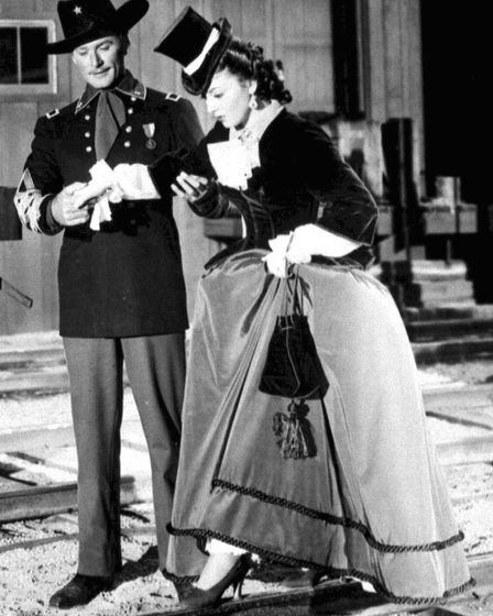 Olivia de Havilland and Errol Flynn in They Died With Their Boots On in 1941. Gone With The Wind act
