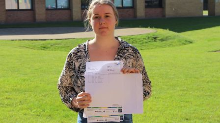 Well done to Kayleigh, who achieved an 8 in fine art, 7 grades in English language and literature an