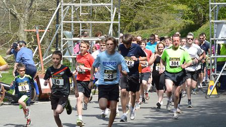 The runners set off on the sixth Three Bridges Fun Run in Barnstaple on Sunday. Picture submitted vi