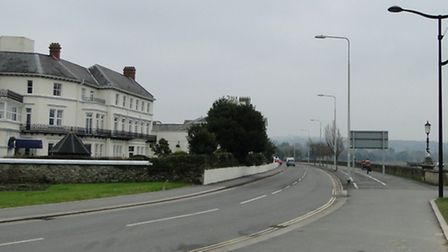 Two way traffic with access to the Square will continue to be kept from Taw Vale.