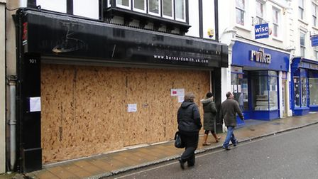 Tesco Express will be opening in the High Street in August.