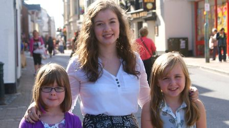 Barnstaple carnival queen Lauren Adams (centre) is pictured with carnival princesses, Errin Fee (lef