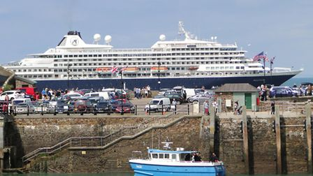Images from the 2011 visit by cruise liner MS Prinsendam.