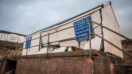 The damage to the hut on Saunton Sands, captured by local photographer Rob Puig (www.robpuigphotogra