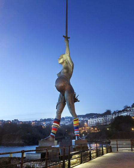 Penny Clark took these photographs of Verity wearing leg warmers this morning.