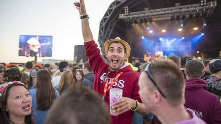 Revellers love the show-stopping live music at GoldCoast Oceanfest