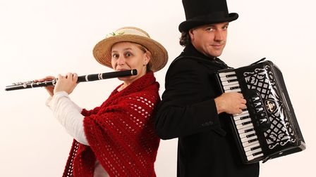 Join Vicki Swan and Jonny Dyer for their Winter Warmer show at Shammick Acoustic in Combe Martin on