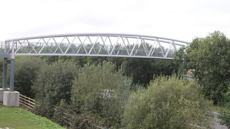 The footbridge at Roundswell.