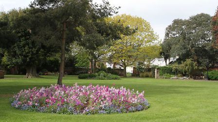 Blackmore Gardens. Photo by Simon Horn. Ref shs 6687-21-13SH To order your copy of this photograph g