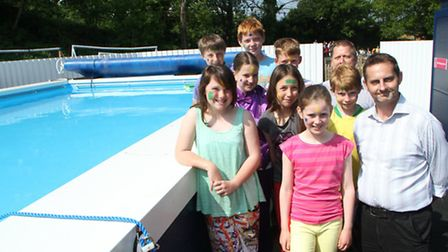 Ottery Primary School unveil their new pool. Picture by Alex Walton. Ref sho 3312-23-13AW