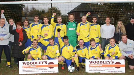 Newton Poppleford team with their sponsors, Woodleys Joinery Ltd. Picture by Alex Walton. Ref shsp 8